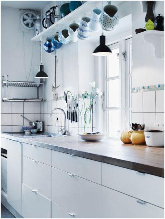 Стилна светла кухня