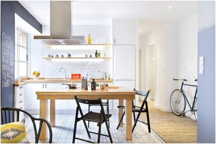 Възможно е да се зонира пространството с помощта на различни подови настилки