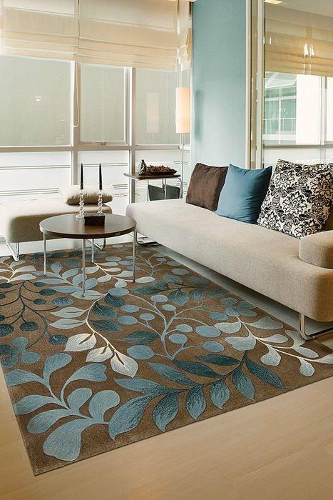 Коричневый и голубой в интерьере гостиной