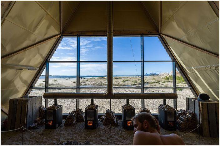 Sauna z widokiem na Morze Norweskie.