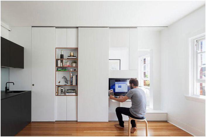 Miejsce pracy w małym mieszkaniu
