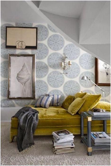 Красив кадифен диван е в състояние да привлече вниманието