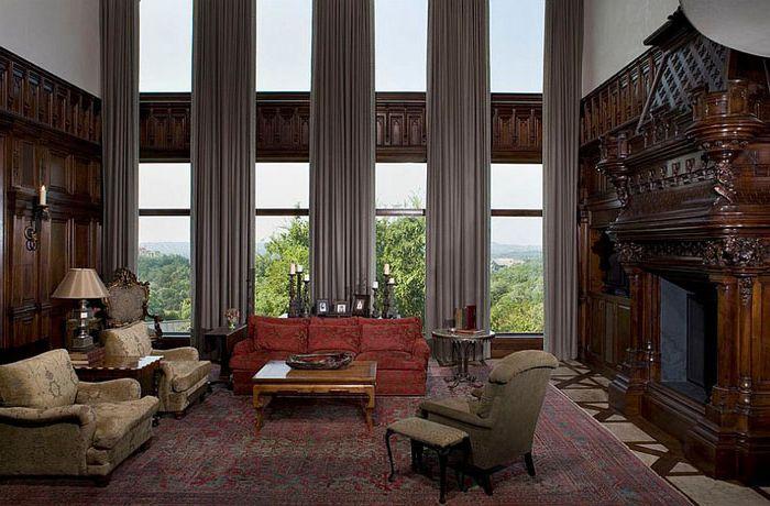 Завеси в интериора на хола от Cravotta Interiors