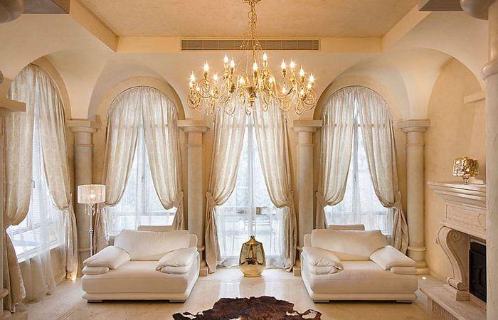Интериор на хола в средиземноморски стил