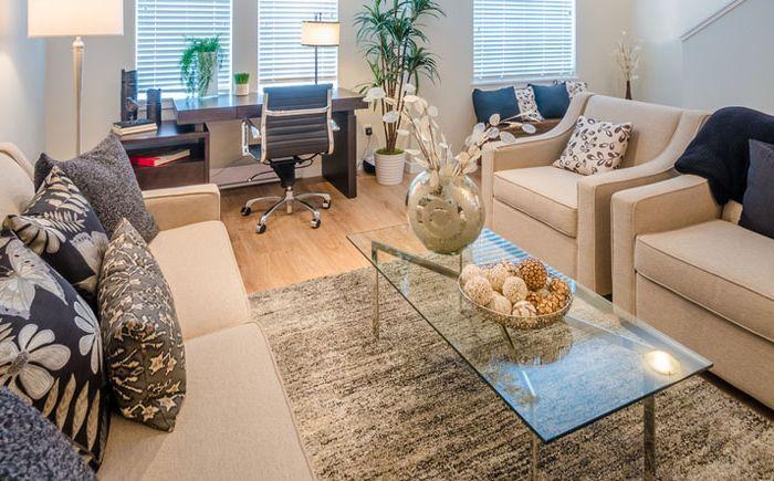 Hogyan lehet elválasztani az otthoni irodát a pihenőhelytől?