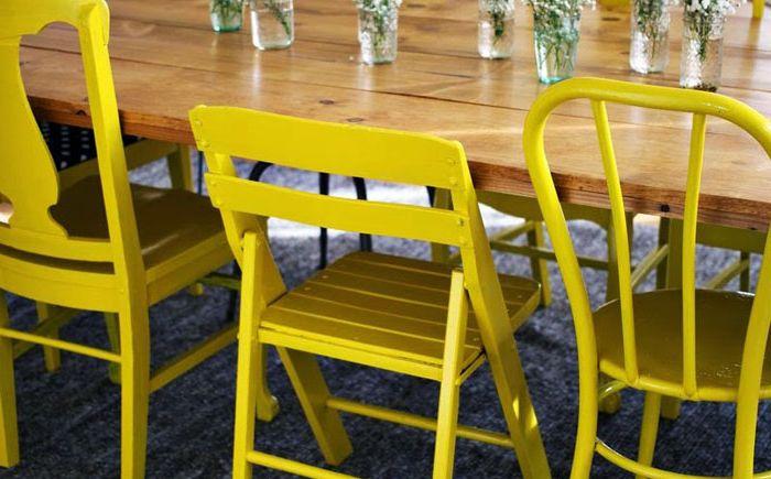 Бои, тапети и тъкани: как да актуализирате стари мебели