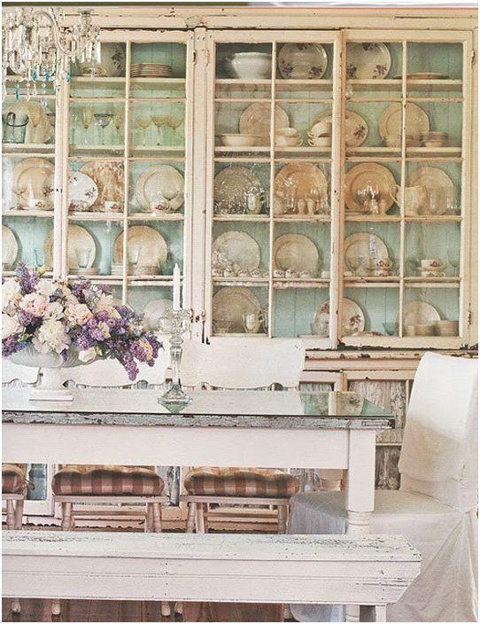 Kaapien ja yöpöytäten lasiovet
