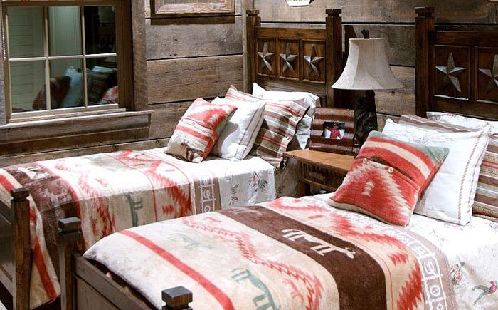 Селски интериор на спалнята от Jean Macrea Interiors