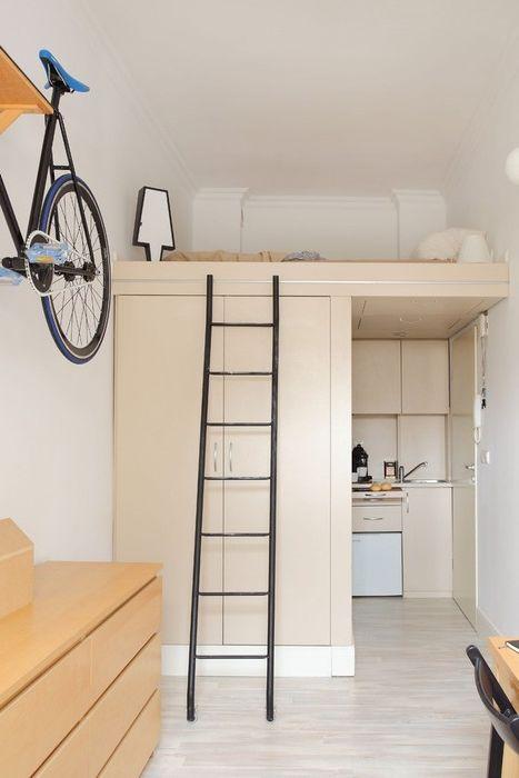 Спальное место над шкафом