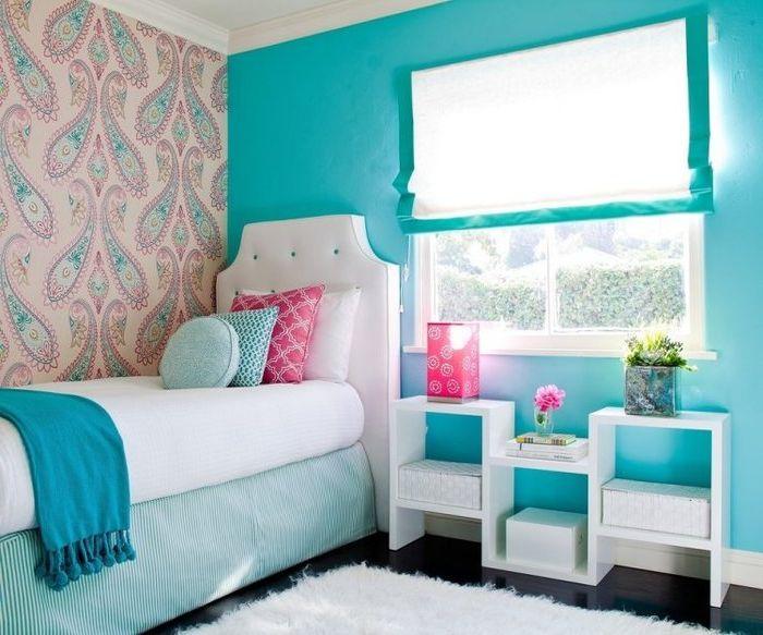 Тюркоазени стени в спалнята
