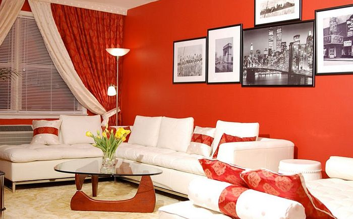 Small living room in red tones
