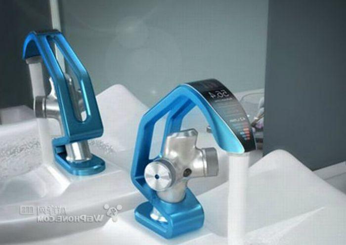 Кран с датчиком движения и LCD монитором, на котором высвечивается температура и соотношение настройки горячей и холодной воды.