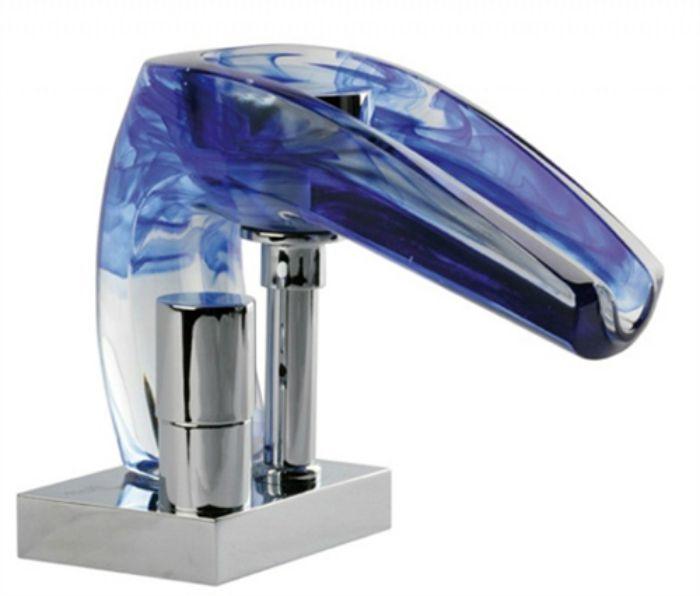 Миксер `` Ниагара '', който свети и променя цвета си от температурата на водата.