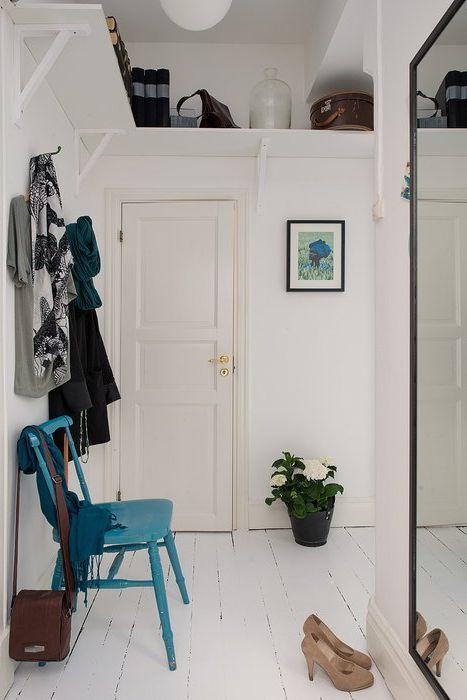 Функциональное использование места под потолком в прихожей