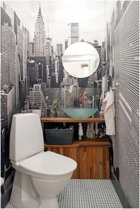 2. Стенопис с гледка към града, ъгловата подредба на тоалетната и стаята изглежда по-голям!