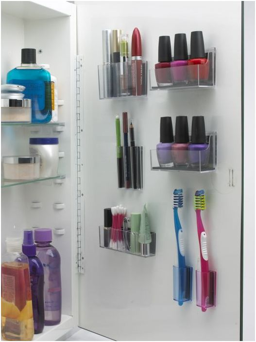 17. Многофункционален шкаф за съхранение в банята