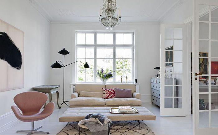 Гостиная в скандинавском стиле с парижским шармом