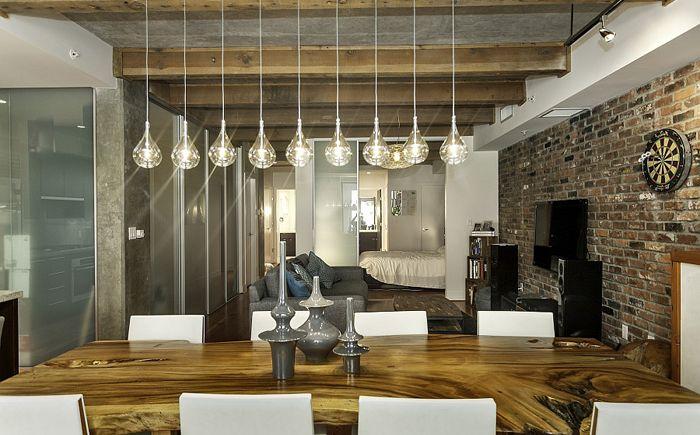 Деревянный стол - элемент рустикального стиля