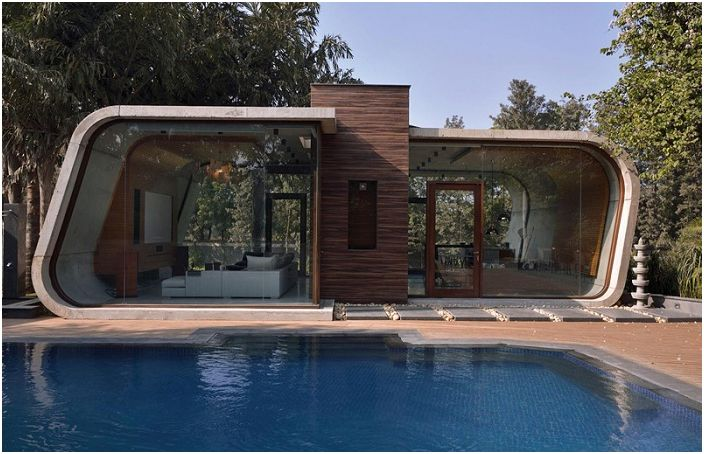 Pool House to dom w New Delhi (Indie).
