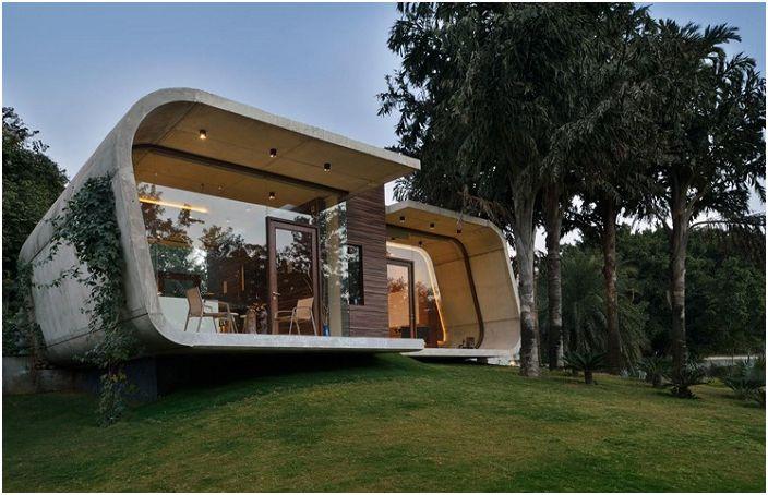Pool House to dom w New Delhi.