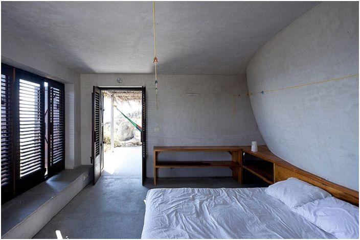Дом на обсерваторията Минималистичен интериор.