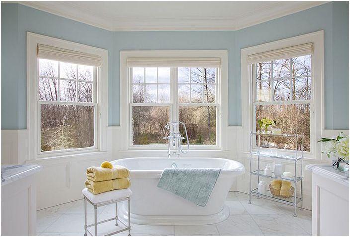 Wnętrze łazienki wykonane przez Garrison Hullinger Interior Design