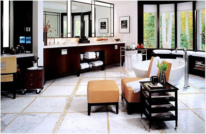 Интериор на банята от интериорен дизайн на Alene Workman