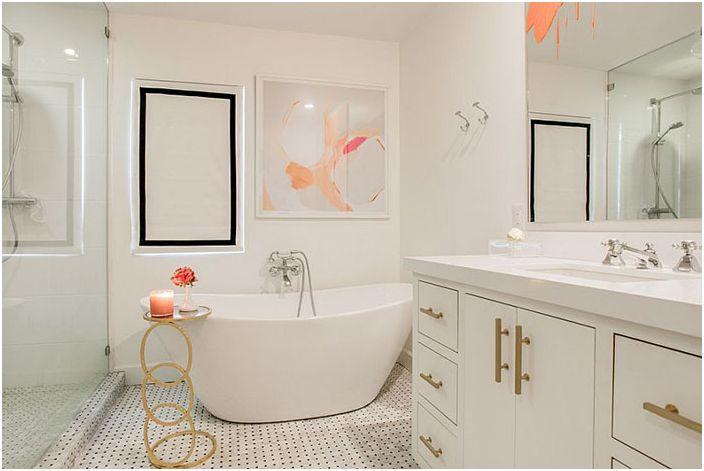 Wnętrze łazienki wykonane przez Alphapex Construction Services