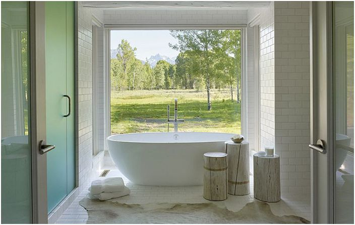 Интериор на банята от Carney Logan Burke Architects