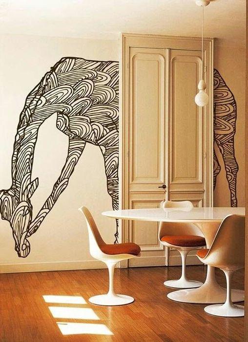 Способ №16. Украсить стену поможет обычный маркер