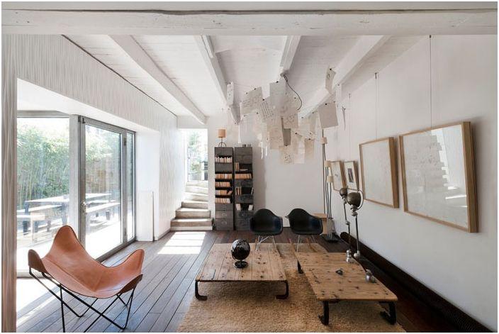 Intérieur de salon dans un style français moderne par Padovani Maurice