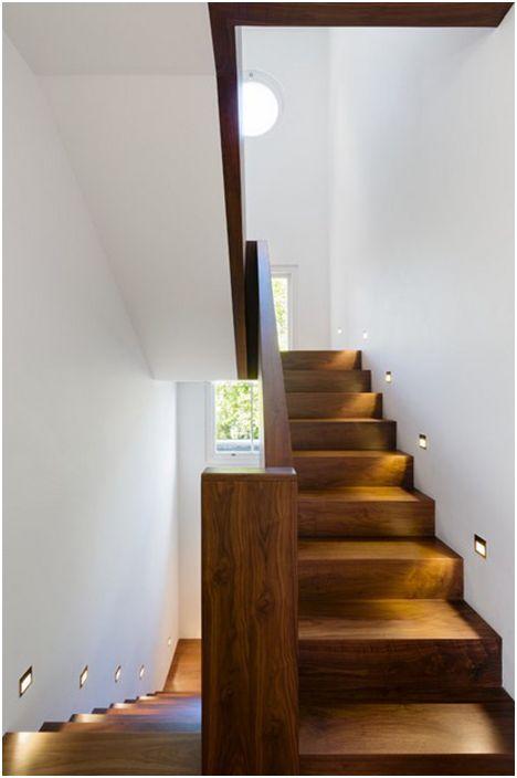 Осветителни стълби