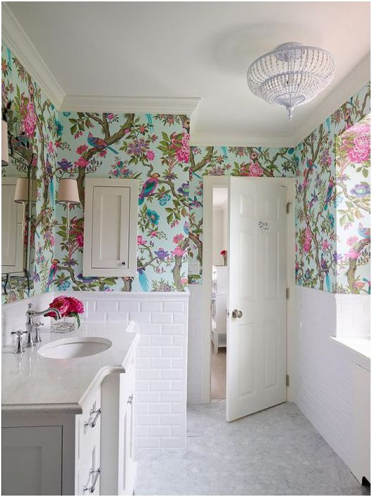 Luksusowa tapeta w łazience