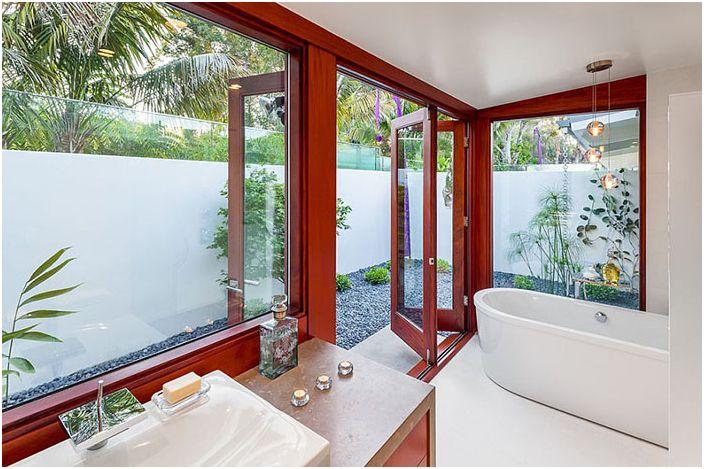 Изглед от банята