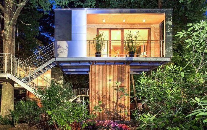 Urban Treehouse е къща с дървета.