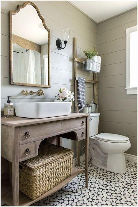 Керамичните плочки са по-често срещани от другите покрития в банята.