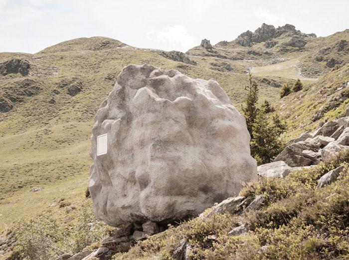 Уютен скрит в камък от Бюро А.