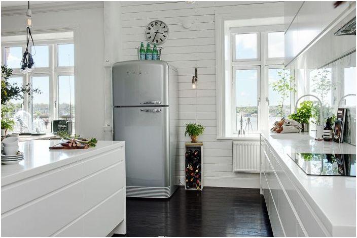Лек и лаконичен кухненски интериор