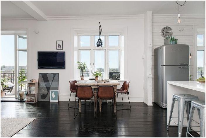 Мебелите правят интериора еклектичен