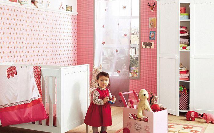 Czerwony, biały i różowy to świetny wybór dla dziewczynki