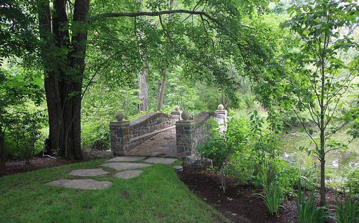 Классический каменный мост от Conte & Conte