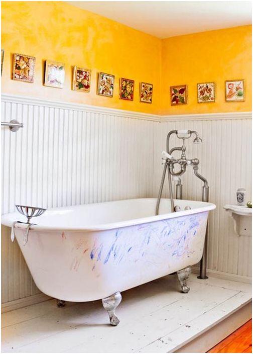 Многоцветна баня в английска селска къща