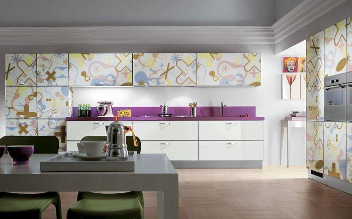 Копринен ситопечат от колекцията Crystal: поразителен дизайн на кухненски и дневни комплекти