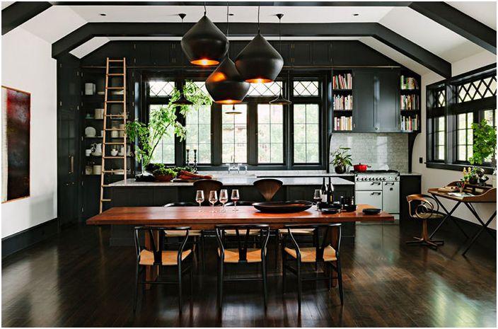 Интерьер чёрной кухни от The Works