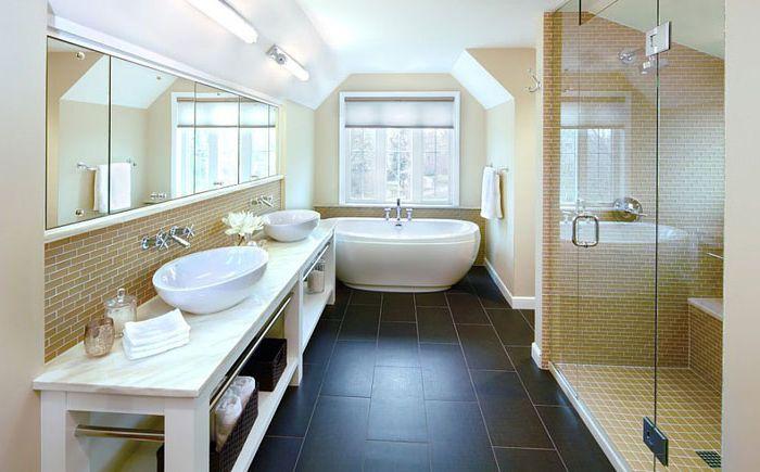 Интерьер ванной комнаты от DiGiacomo Homes & Renovation