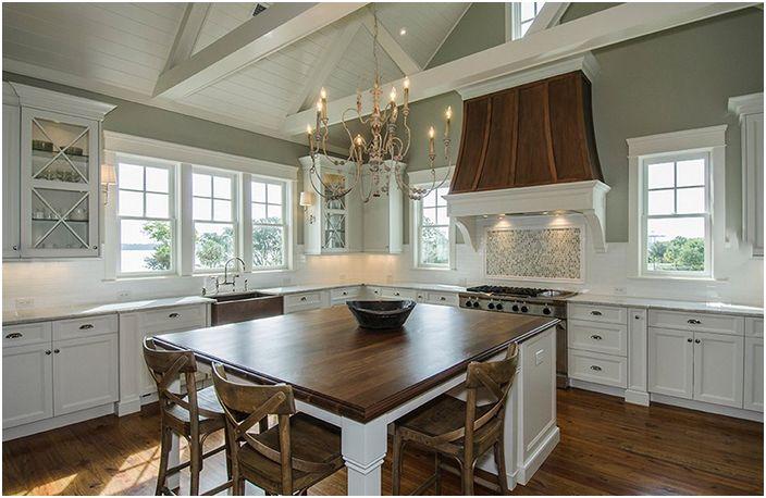 Кухненски интериор от JacksonBuilt Custom Homes