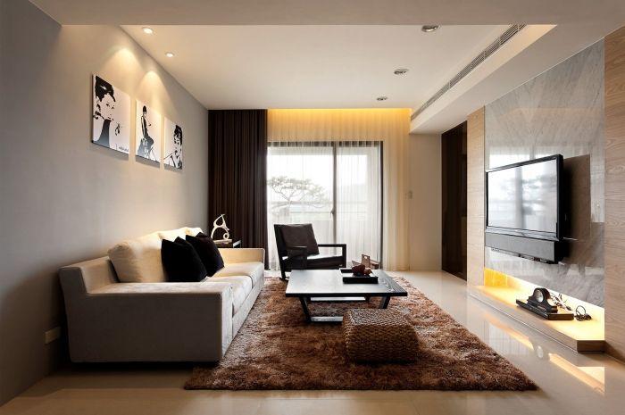 Długie wnętrze salonu
