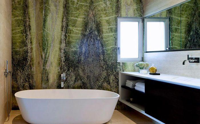 Intérieur de salle de bain par les architectes Domb