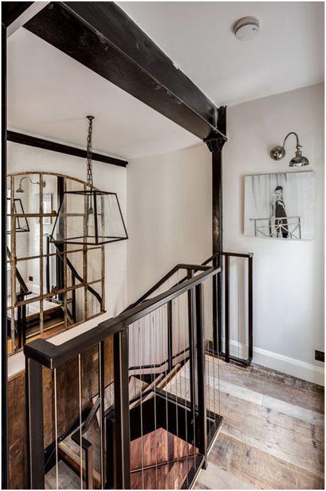Стълбище на втория етаж