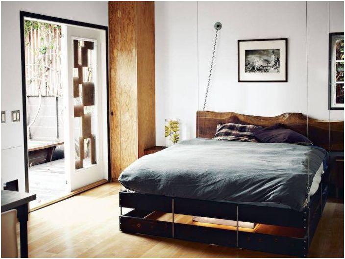 Ъгловото съхранение е чудесна идея за малка стая